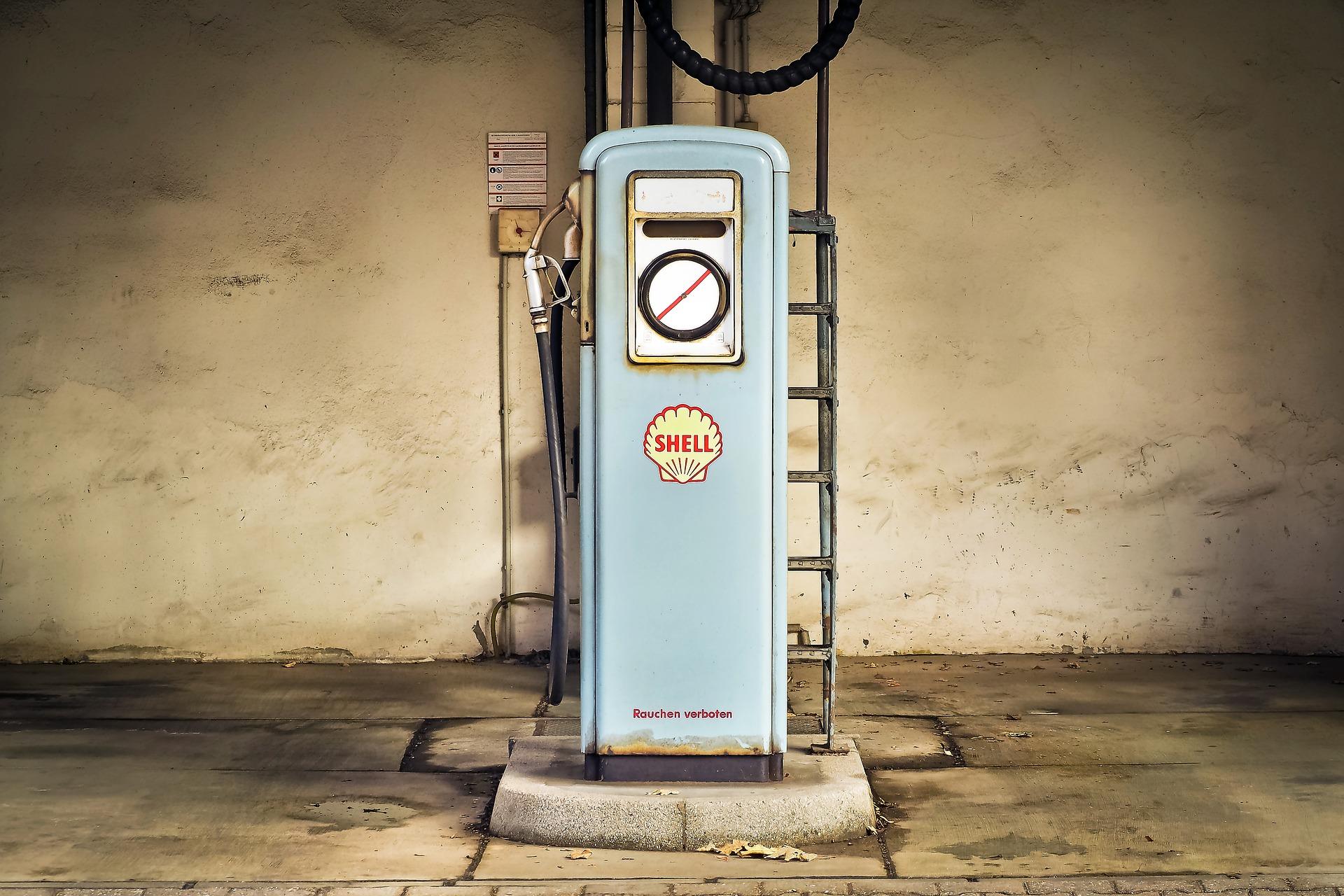 Carta carburante 2018 abolita. Si passa alla fattura elettronica.